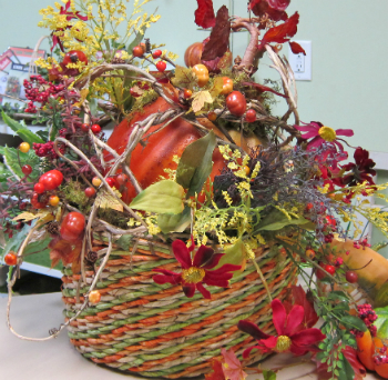 Free Video Make a Fall Centerpiece