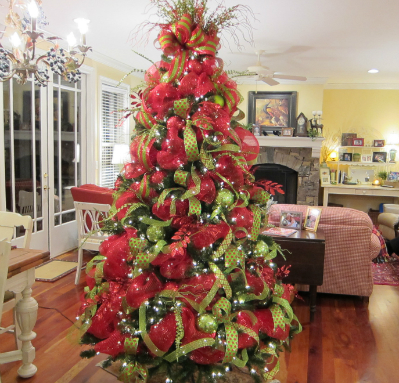 beautiful deco mesh christmas tree from ladybug wreaths - How To Decorate A Staircase For Christmas With Deco Mesh