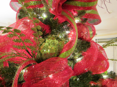 deco mesh and ribbons - How To Decorate A Christmas Tree With Deco Mesh