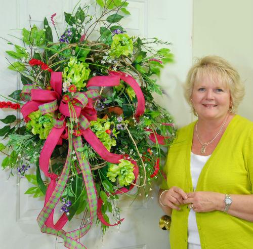 Wanda Robertson With Her New Wreath-w500